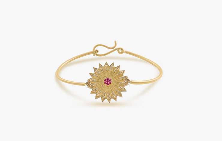 POWER OF LIGHT VENUS BIG DIAMOND BANGLE